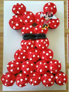 minnie-mouse-cupcake-cake