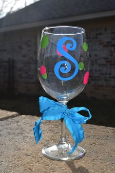 Personalized Initial Wine glass with polka dots. Perfect for my DIY Wine glass NO BUYING Pampered CHEF Party THIS FRIDAY.