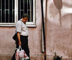 Dostlar sağ olsun // thanks to all old friends #street_photo_club #streetphotography #streetscene #street_perfection #streetphoto #streetlife #portre #portraits_shots #portrait_planet #portraiture_kings #portraitmood #portrait_mood #portraitoftheday #portrait_ig #portrait_star #sokakfotografciligi #izmirdeyasam #streetcandid #turk_kadraj #turkobjektif #turkeystagram #turkinstagram #kadraj_arkasi #kadrajturkiye