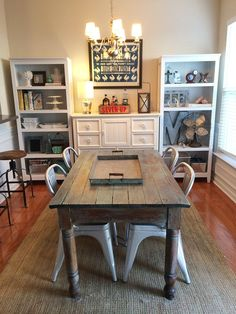 fake it til you make it target bookcase hack via misspicklespress com Dining Room Office, Kitchen Dining, Dining Room Playroom Combo, Apartment Decoration, Ikea, Grunge Room, Target Home Decor, Built In Bookcase, Layout