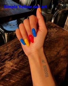 How to choose your fake nails? - My Nails Yellow Nails Design, Yellow Nail Art, Coffin Nails, Acrylic Nails, Acrylic Art, Nail Art Designs, Nail Art Halloween, American Nails, Rainbow Nails
