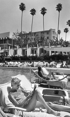 BEVERLY HILLS | THE BEVERLY HILLS HOTEL:  1982.  Courtesy Carly Erickson and latimes.com.