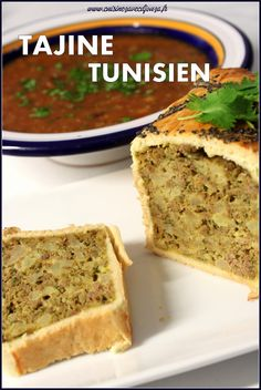 Tajine tunisien en croûte Claypot Recipes, Tunisian Food, Middle East Food, Algerian Recipes, Arabic Food, Turkish Recipes, Savoury Cake, Love Food, Food To Make