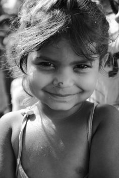 "When I see a girl all smiley like this on Search bar located with words, ""Romania"" I always think most Romanian's will look like this. Glow in their eye and smiling. My people. My country. Different Races, Asian Kids, A Whole New World, Praise The Lords, Drawing For Kids, My People, Beautiful Eyes, Smiley, Romania"