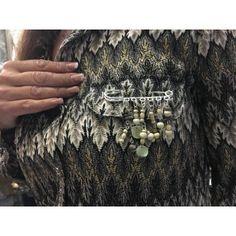 broche en forme d'épingle pour décorations