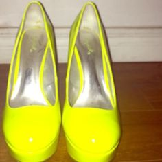Like New Neon Yellow Pumps