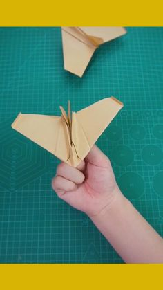 Hand Crafts For Kids, Diy Crafts For Girls, Diy Crafts To Do, Diy Crafts Hacks, Cute Crafts, Paper Folding Crafts, Paper Crafts Origami, Paper Crafts For Kids, Diy Paper