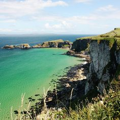 The clifftops at Carrick-A-Rede – near Larrybane Quarry – are used as the cliffs of The Stormlands in Westeros, where Renly Baratheon's army camp is located over several episodes in Season 2.