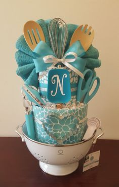 Bridal Shower Gifts For Bride, Wedding Gifts, Classic Bridal Shower Gifts, Gifts For The Bride, Bridal Shower Presents, Wedding Gift Baskets, Bridal Showers, Kitchen Towel Cakes, Kitchen Towels