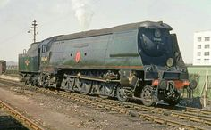 BR (Southern) West Country class No 34049 'Anti-Aircraft Command' Heritage Train, Heritage Railway, Diesel Locomotive, Steam Locomotive, Southern Trains, Disused Stations, Buses And Trains, Southern Railways, Steam Railway