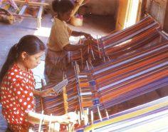 File:Tais weaving in Lospalos, East Timor.jpg