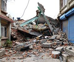 Erdbeben in Nepal. Earthquake in Nepal. Wohnhaustrümmer in Kathmandu. Bilder aus Nepal