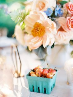 24 Summer Wedding Ideas to Copy for Your Own Celebration - Check out these steal-worthy summer wedding ideas, themes, and tips before you start planning your warm weather soirée. cherries fruit flowers outdoor {Kristin La Voie Photography} Summer Cocktails, Summer Parties, Summer Party Decorations, Cherry Fruit, Fruit Flowers, Floral Watercolor, Watercolor Wedding, Flamingo Party, Tropical Party