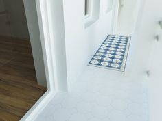 Via Emilia. Bath Mat, Tile Floor, Flooring, Rugs, Crafts, Home Decor, Farmhouse Rugs, Manualidades, Decoration Home