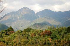 菰野町大羽根園地区 御在所岳を望む  紅葉はもう少し先のようです。  平成24年11月7日撮影