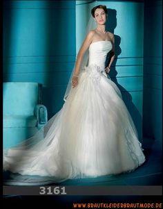 Wunderschöne ausgefallene Brautmode mit Schleppe aus Organza und Satin