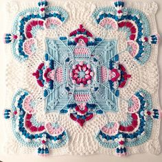 Transcendent Crochet a Solid Granny Square Ideas. Inconceivable Crochet a Solid Granny Square Ideas. Motifs Granny Square, Crochet Motifs, Crochet Blocks, Granny Square Crochet Pattern, Crochet Afghans, Afghan Crochet Patterns, Crochet Squares, Crochet Stitches, Knitting Patterns