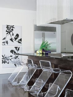 Loving acrylic and lucite furniture.
