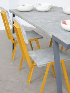 Harm van den Nieuwenhof. Tabel and chairs made of concret and metal | Beton-stalen tafel en stoelen