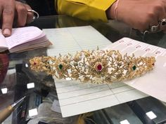 22 Classic Gold Vadanam Designs For Women of All Age Indian Jewellery Design, Bead Jewellery, Indian Jewelry, Vaddanam Designs, Waist Jewelry, Classic Gold, South India, Beautiful Models, Bridal Jewelry