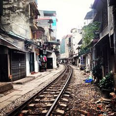 #hanoi #vietnam #railroadtracks #city