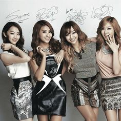 "SISTAR (씨스타) is a Korean pop girl group created by Starship Entertainment. Their group name is a combination of the words ""Sister"" and ""Star"", meaning they are meant to be sisters in the entertainment business and become big stars. Kpop Girl Groups, Korean Girl Groups, Kpop Girls, Suzy, Korean Celebrities, Celebs, Sistar Kpop, Yoon Bora, Korean Bands"