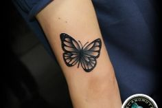 Tattoo butterfly is a good choice for your small tattoo. A woman tattoo created by Acanomuta Tattoo Studio.