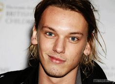GIF Jamie Campbell Bower