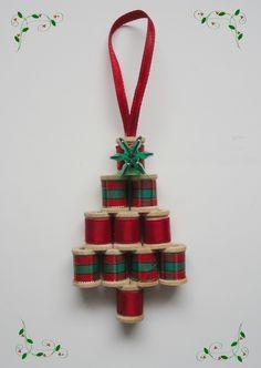 Christmas Craft Flashback #4   Mini Spool Tree
