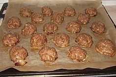 Ofenfrikadellen The perfect oven-made meatballs quickly made and good for a cold meal recipe with a picture and simple step-by-step instructions: mix everything and … Dinner Sandwiches, Cold Sandwiches, Sandwich Bar, Sandwich Shops, Grilled Sandwich, Subway Sandwich, Sandwich Recipes, Albondigas, Snacks Für Party