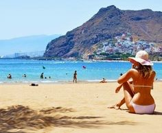 All inclusive holiday to Gran Canaria, you can make the most of the rolling sand dunes and mammoth shopping centres, knowing that all the basics are already sorted.Enjoy the perfect synthesis of relaxation and a party atmosphere on your holiday to Gran Canaria in the Canary Islands.