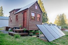 Mobile Tiny Tack House Is Entirely Built By Hand! And Looks Gorgeous… #tinyhouse #smallhome
