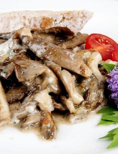 hlíva s gorgonzolou Just Eat It, Cheesesteak, Stuffed Mushrooms, Veggies, Beef, Plates, Chicken, Cooking, Ethnic Recipes