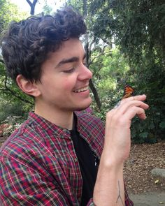 I like Elliot Fletcher especialy in Shameless Eliot Fletcher, The Fosters Tv Show, Trans Man, Trans Boys, Puppy Face, Celebs, Celebrities, Pretty People, Comedians