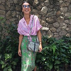 Posts about mixed pattern outfits written by Browyn Fashion Mode, Fashion Outfits, Womens Fashion, Fashion Trends, Pattern Mixing Outfits, Mixing Patterns, Mixing Prints, Mode Inspiration, All About Fashion