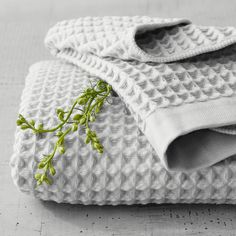 Imabari Waffle Towels – The Citizenry Soft Towels, Cotton Towels, Hand Towels, Hinoki Wood, Japanese Bath, Face Towel, Towel Set, Washing Clothes, Waffles