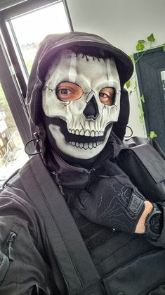 """Tomographic on Twitter: """"Do you like my new outfit? 💀… """" Call Of Duty, New Outfits, Halloween Face Makeup, Twitter, Fictional Characters, Fantasy Characters"""