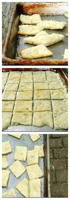 HOW TO MAKE CRACKERS AT HOME! These homemade Rosemary and Garlic Crackers are the best crackers I have ever had! | www.diethood.com
