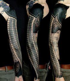 Geometrical Tattoo by Gerhard Wiesbeck | Tattoo No. 11079