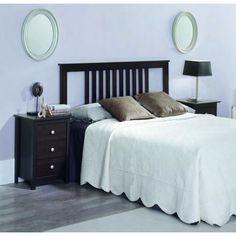 Cabecero de dormitorio en madera maciza realizado en un material de alta calidad madera maciza alistonada de pino y acabado en barniz de color wengué.
