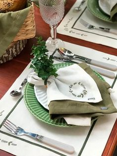 Organize, Dining Table, Diy, Home, Hand Embroidery Designs, Placemat, Napkins, Layette, Mesas
