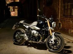 Leaked: Photos of BMWs 90th Anniversary Café Racer BMW NineT R Nine air cooled cafe racer leak 03