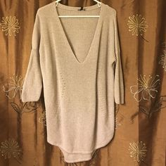 Sweater Knitted sweater - bought in November and never warn Express Sweaters V-Necks