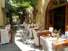 Outdoor seating in the narrow streets of Rethymno - Avli Restaurant | Flickr - Photo Sharing!