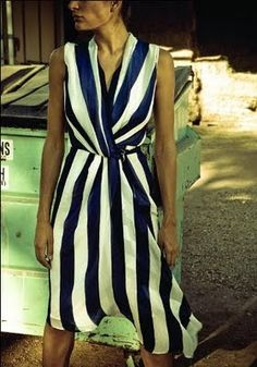 blue and white striped dress with a RED shoe! Tartan, Couture, Spring Dresses, Dress Me Up, Striped Dress, Dress Skirt, Silk Dress, Dress To Impress, What To Wear