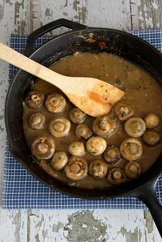STEAKHOUSE MUSHROOMS  Serving Size: 2  1 lb mushrooms, wiped clean and stems trimmed  2 tsp minced shallot (about half a shallot)  1 large (or 2 medium) clove garlic, minced  2 Tbs butter  2 Tbs flour  1 tsp fresh thyme  2 tsp worcestershire sauce  ½ c dry sherry  1 ¼ c beef broth