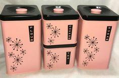 Vintage Mid Century Pink Black Lincoln Beautyware Set Canisters Starburst in Collectibles, Kitchen & Home, Kitchenware Vintage Canisters, Vintage Kitchenware, Kitchen Canisters, Vintage Dishes, Vintage Appliances, Vintage Pyrex, Kitchen Utensils, Look Vintage, Vintage Pink