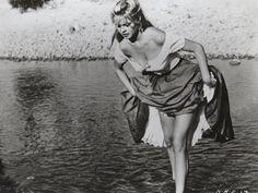 Brigitte Bardot The Night Heaven Fell 1958 8 X 10 Photo Bridget Bardot, Brigitte Bardot Young, Old Hollywood Actresses, Hollywood Glamour, Classic Hollywood, Hollywood Fashion, Vintage Hollywood, Susan Sarandon, Jane Birkin