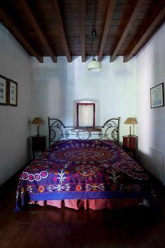 Ebru Erol Mimarlık Atölyesi – SÜHENDAN HANIM EVİ: modern tarz Yatak Odası