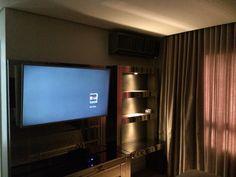 Painel de TV com Espelho Bronze e iluminação LED!  Projeto Fernando  Designer
